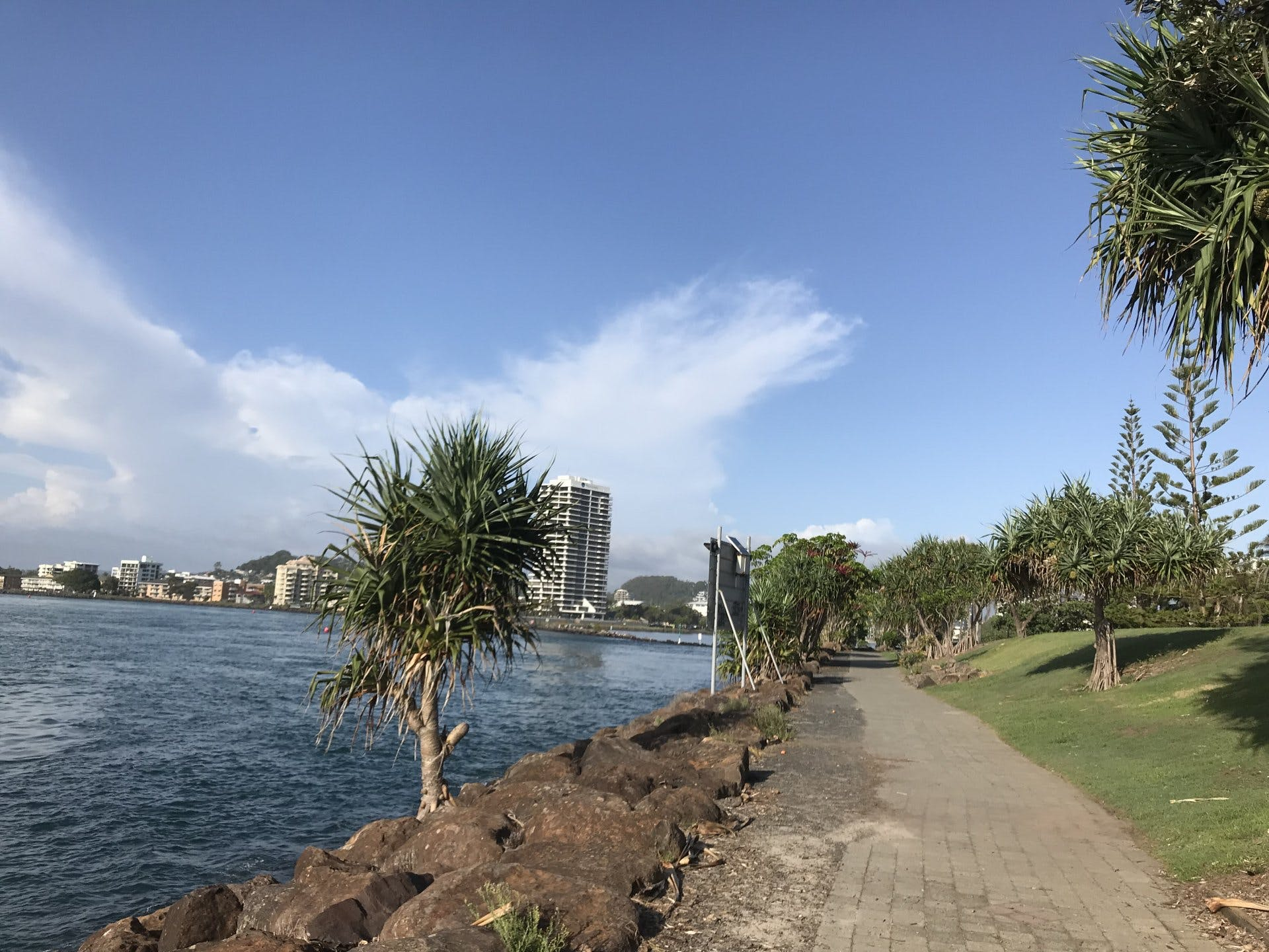 Tweed Heads - Lighthouse to The Tweed River Bar and Fingal