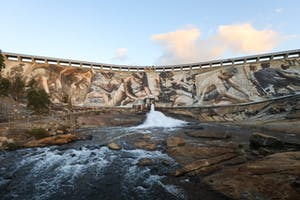 Wellington Dam Mural - image Taj Kempe