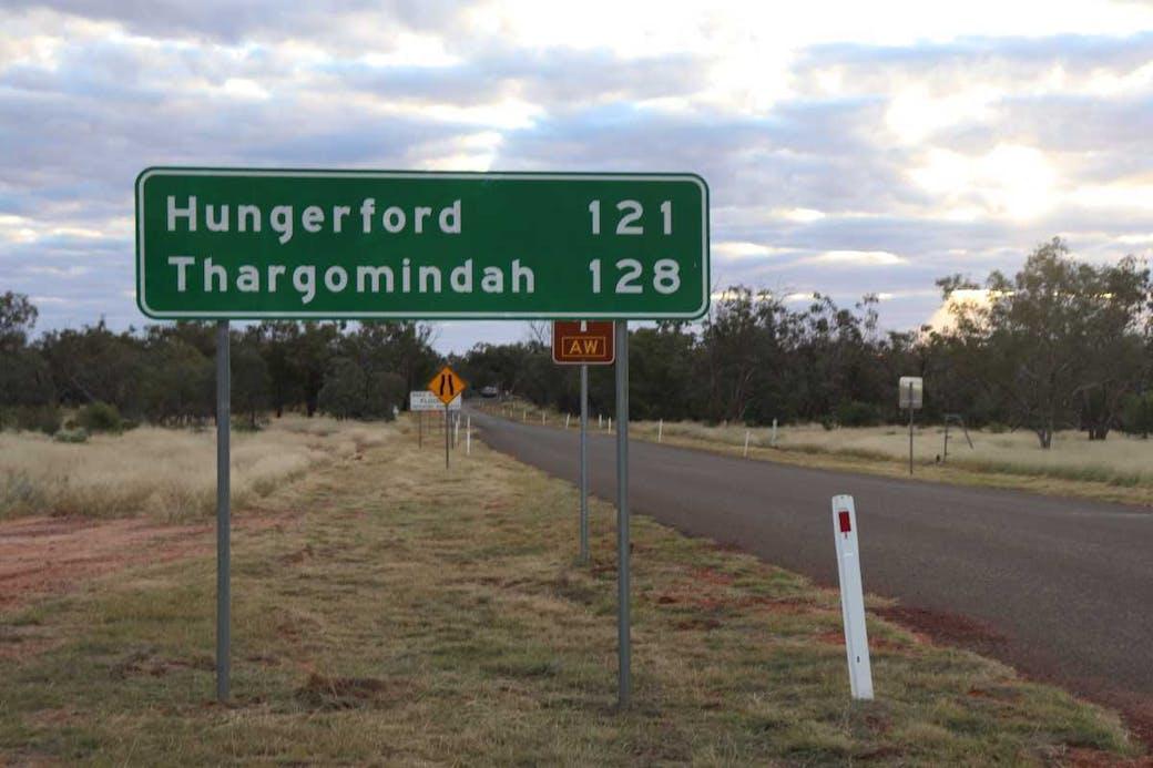 Hungerford - Thargomindah sign